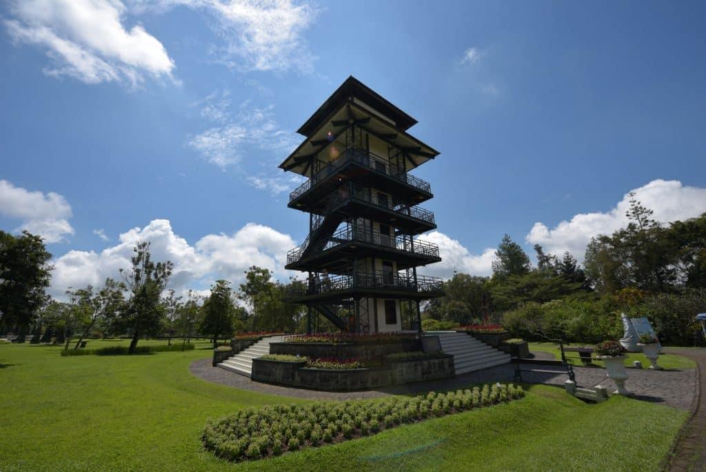 menara pandang taman buynga nusantara cianjur