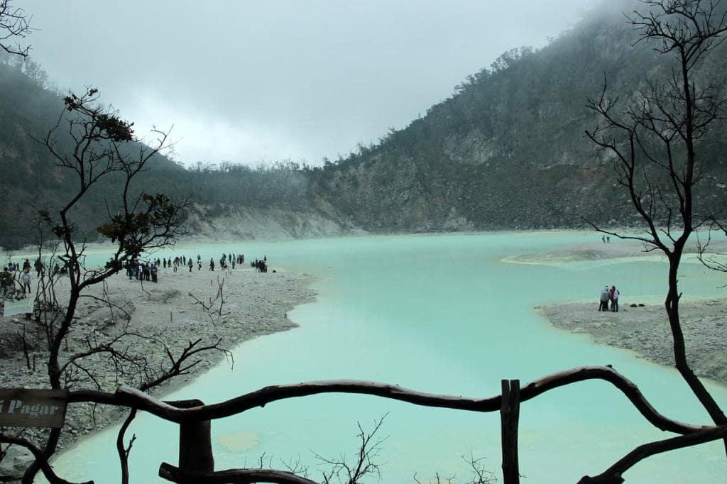 Wisata Kawah Putih Bandung Selatan yang Eksotis